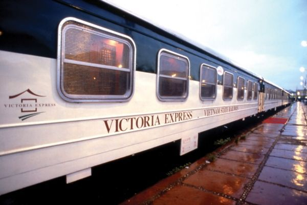The opening of Victoria Waiting Lounge of Victoria Express Train
